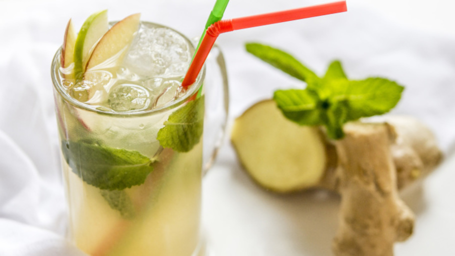 GINGER ALE AND APPLE CRUSH