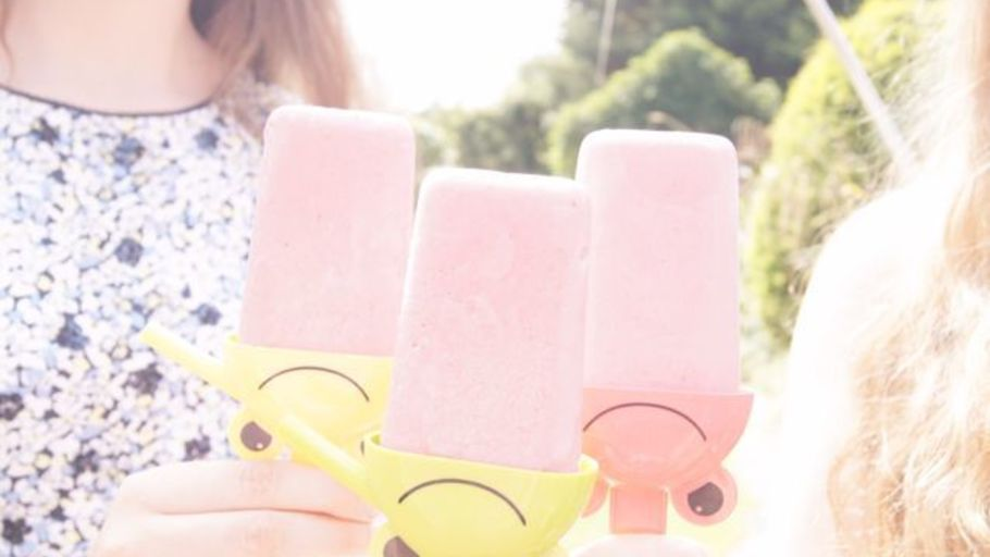 HEALTHY SMOOTHIE ICE LOLLIES