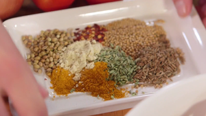 Make a curry paste