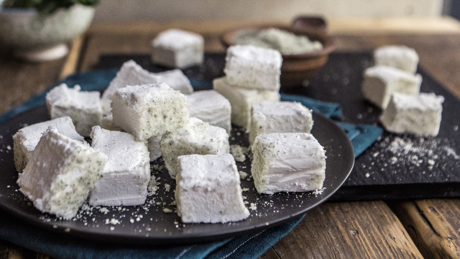 APPLE AND MINT MARSHMALLOWS