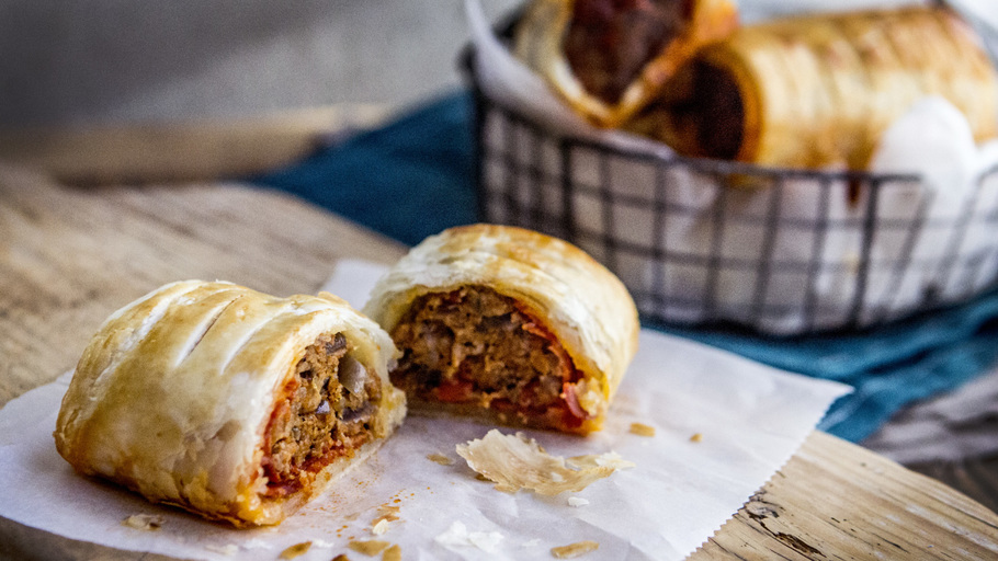 GOURMET SAUSAGE ROLL