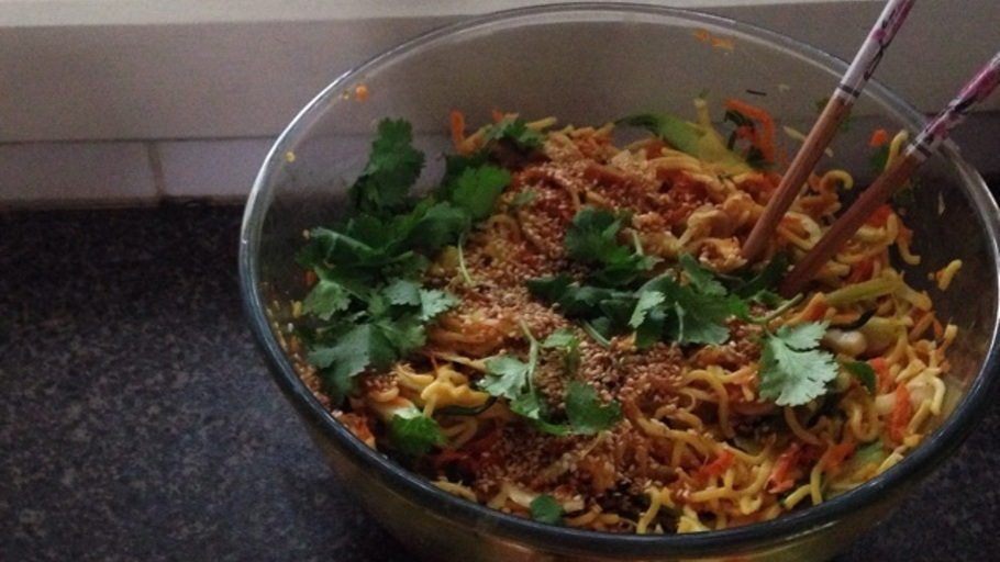 SOY CHICKEN SINGAPORE NOODLES