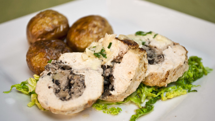 STUFFED CHICKEN BALLOTINE